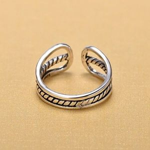 Jewelry - 925 Sterling Silver Vintage Re-sizable Ring